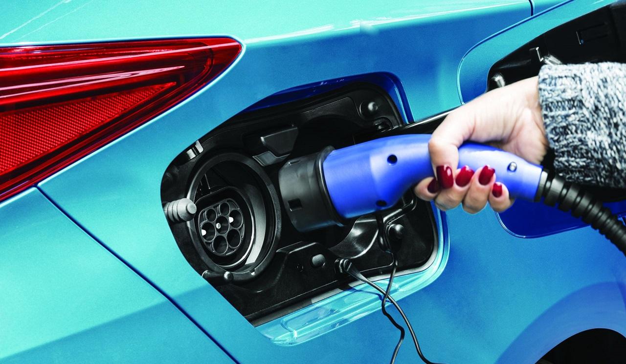 nabíjanie plug-in hybridov