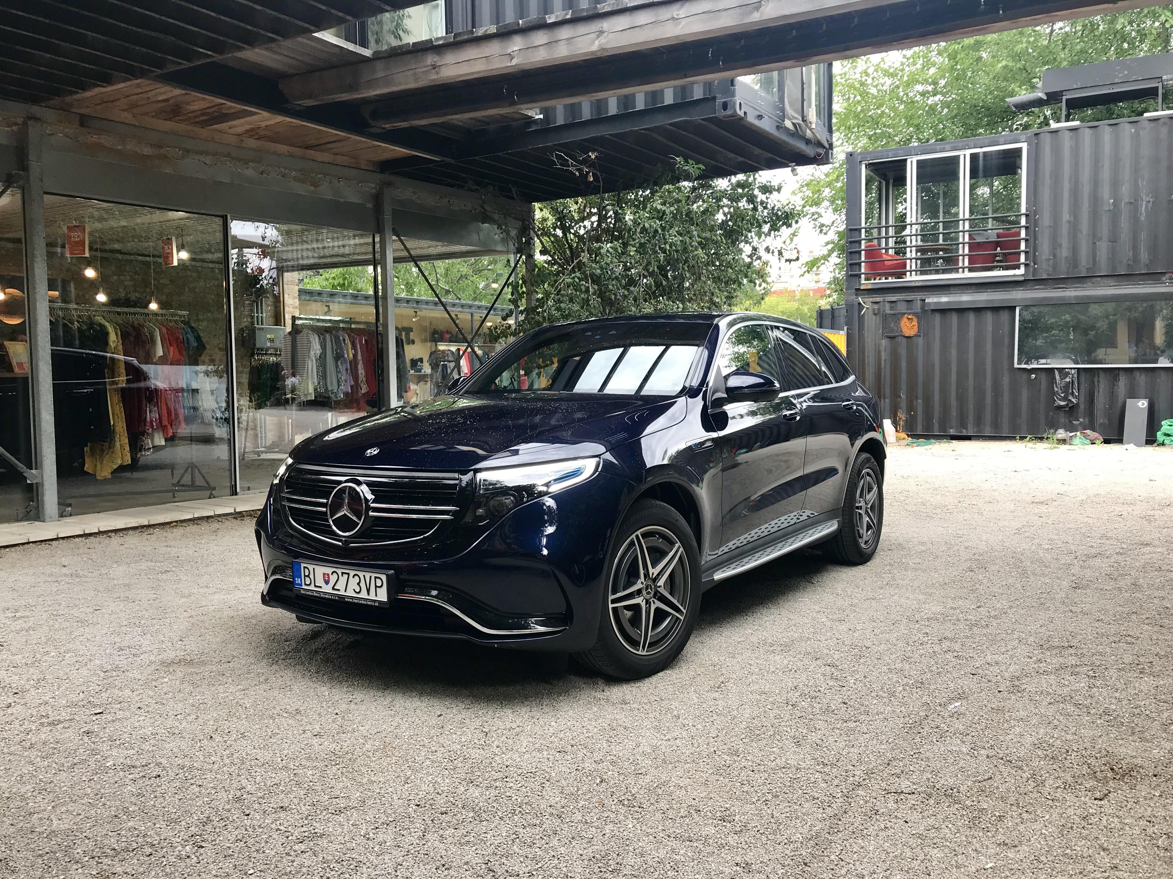 Mercede-Benz EQC - Vyrážame z redakcie