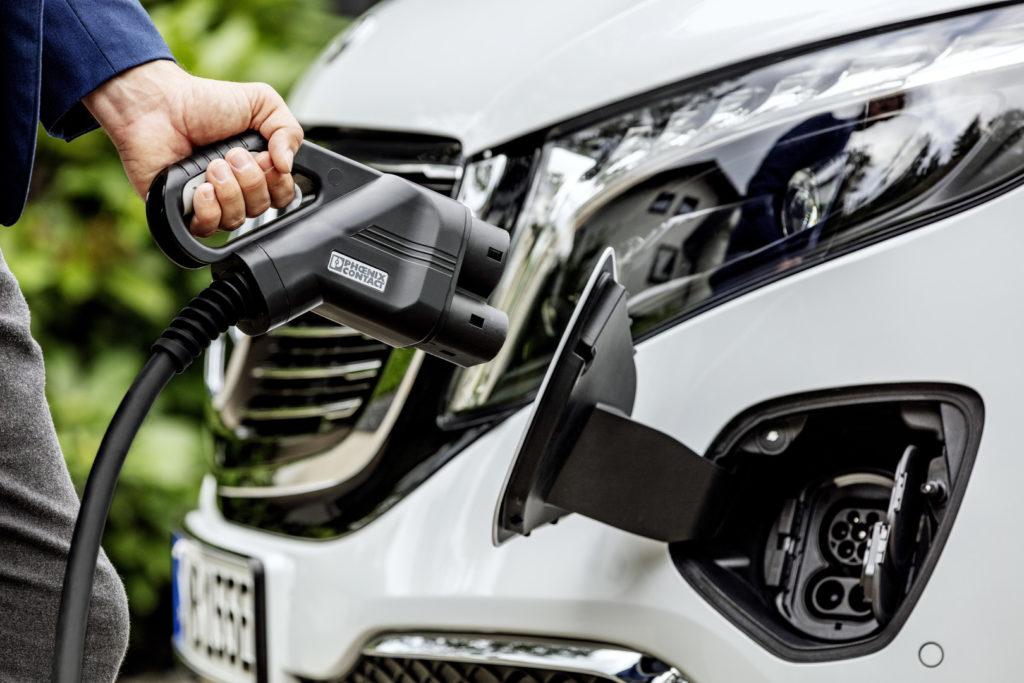 Mercedes Benz EQV nabijanie CCS
