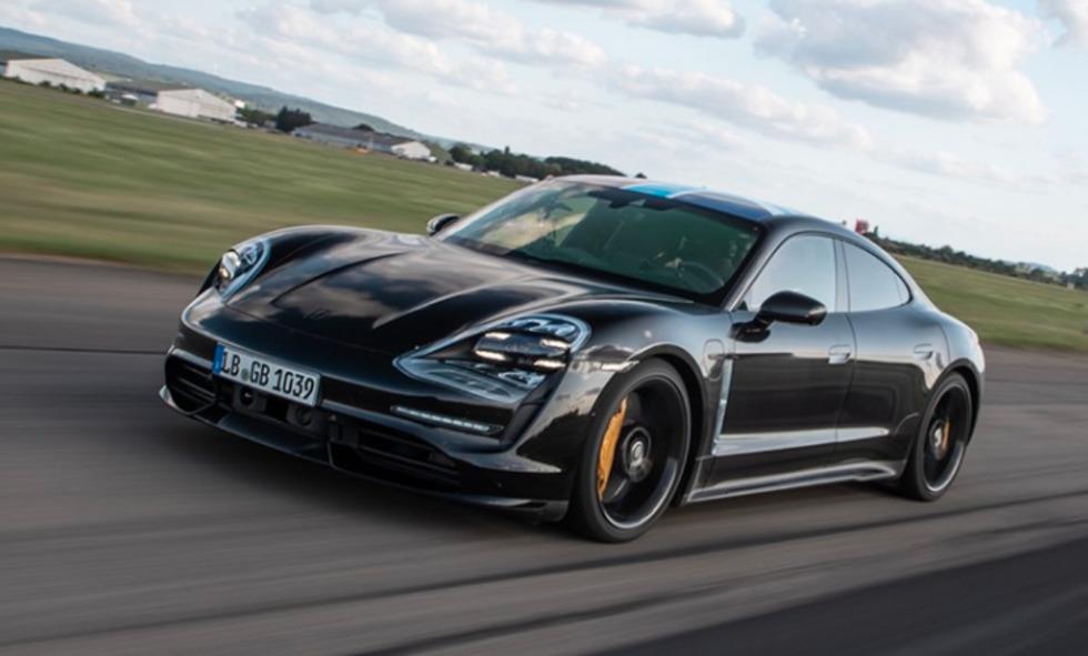 Porsche Taycan na pretekárskej trati