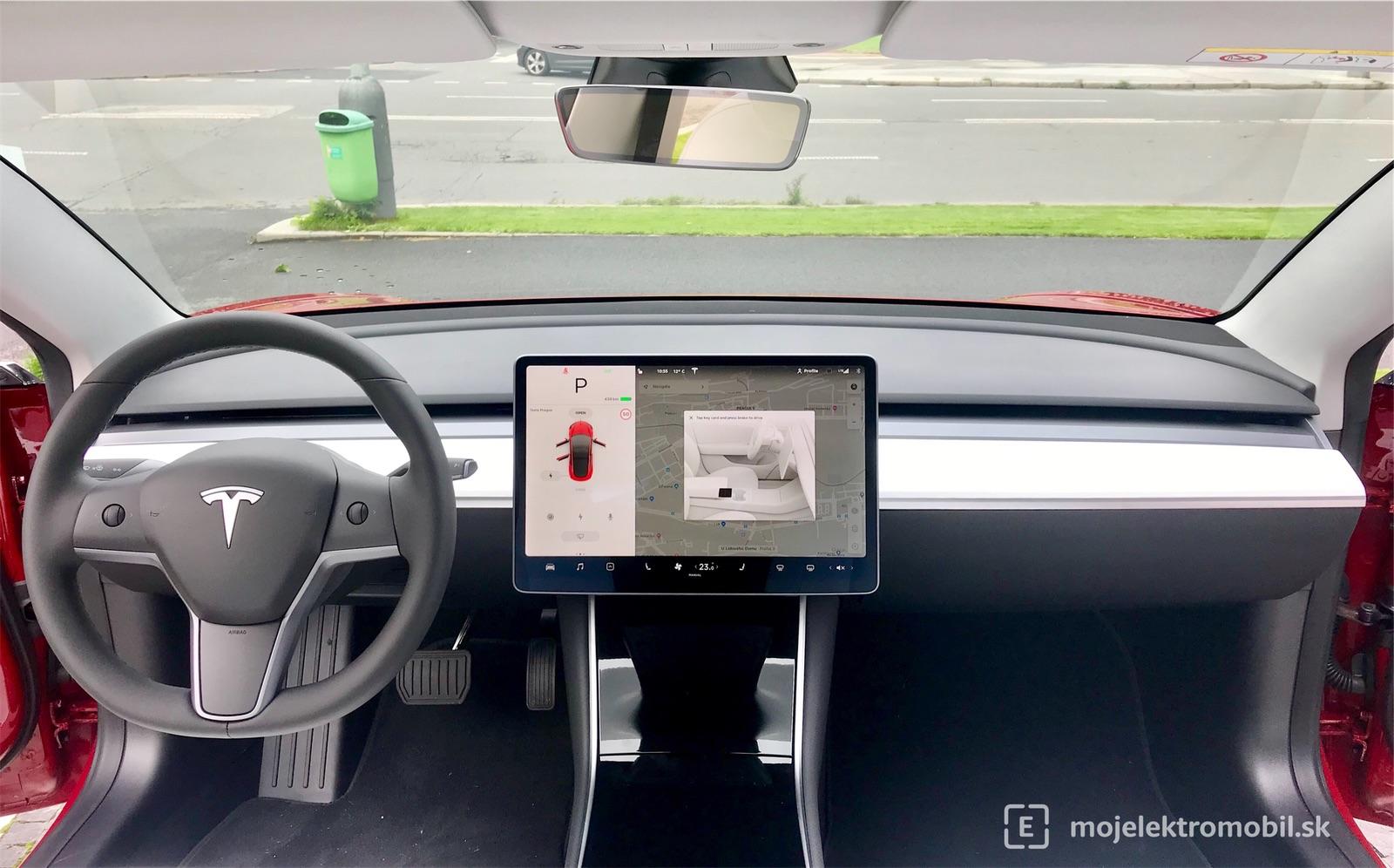 Palubná doska Tesla Model 3