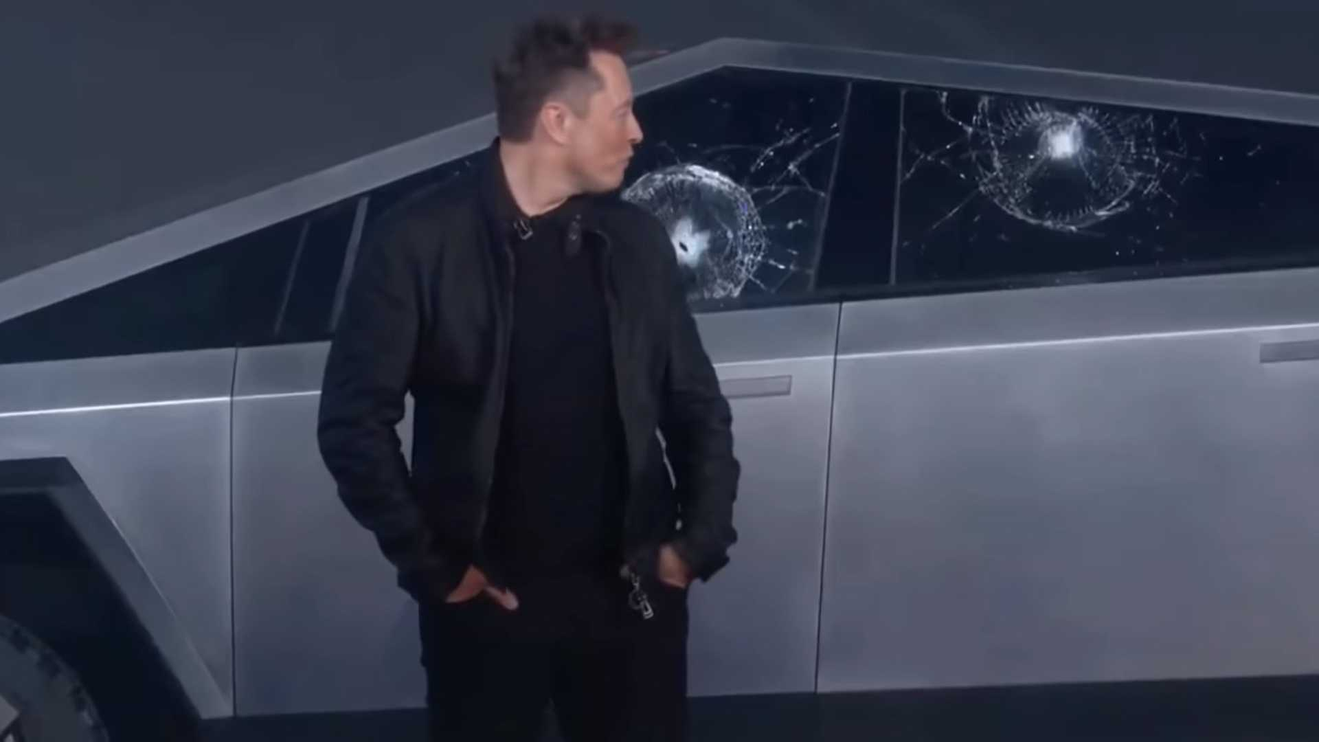 Elon Musk rozbité sklo Armor Glass Tesla Cybertruck