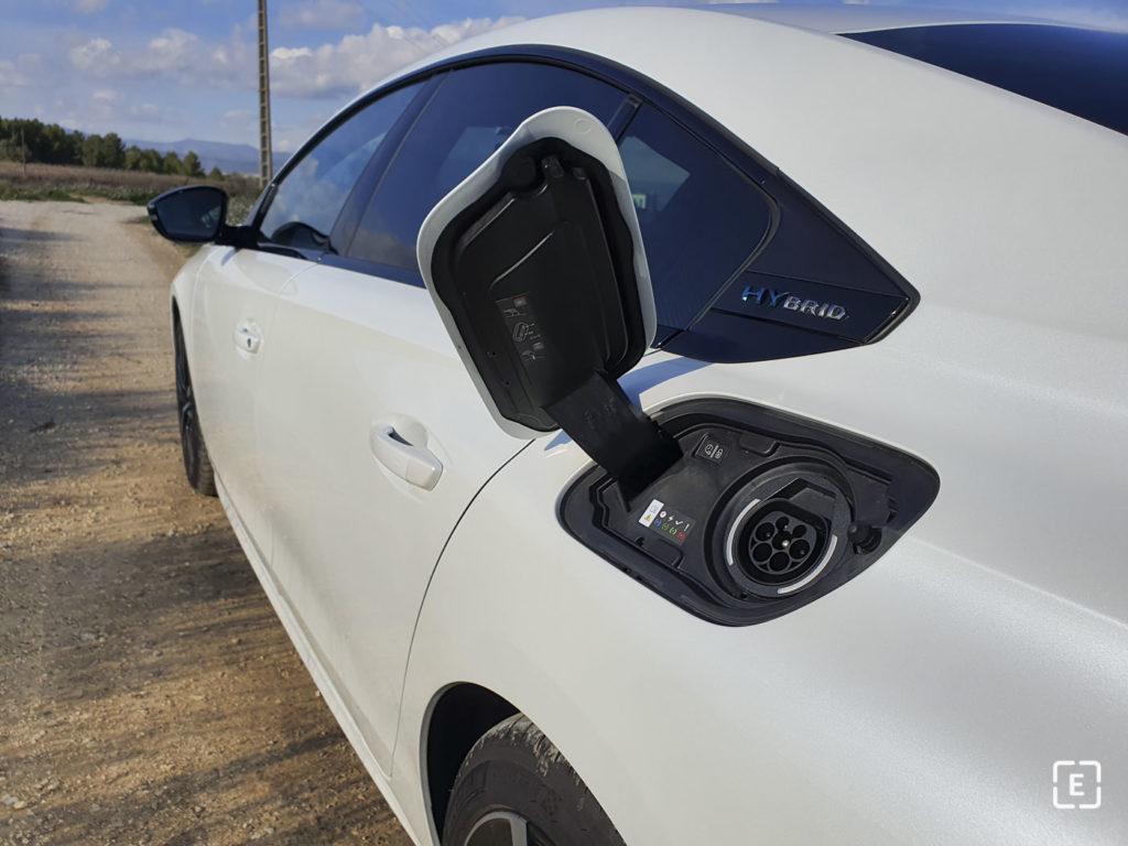 Peugeot 508 Plug-in hybrid nabíjanie