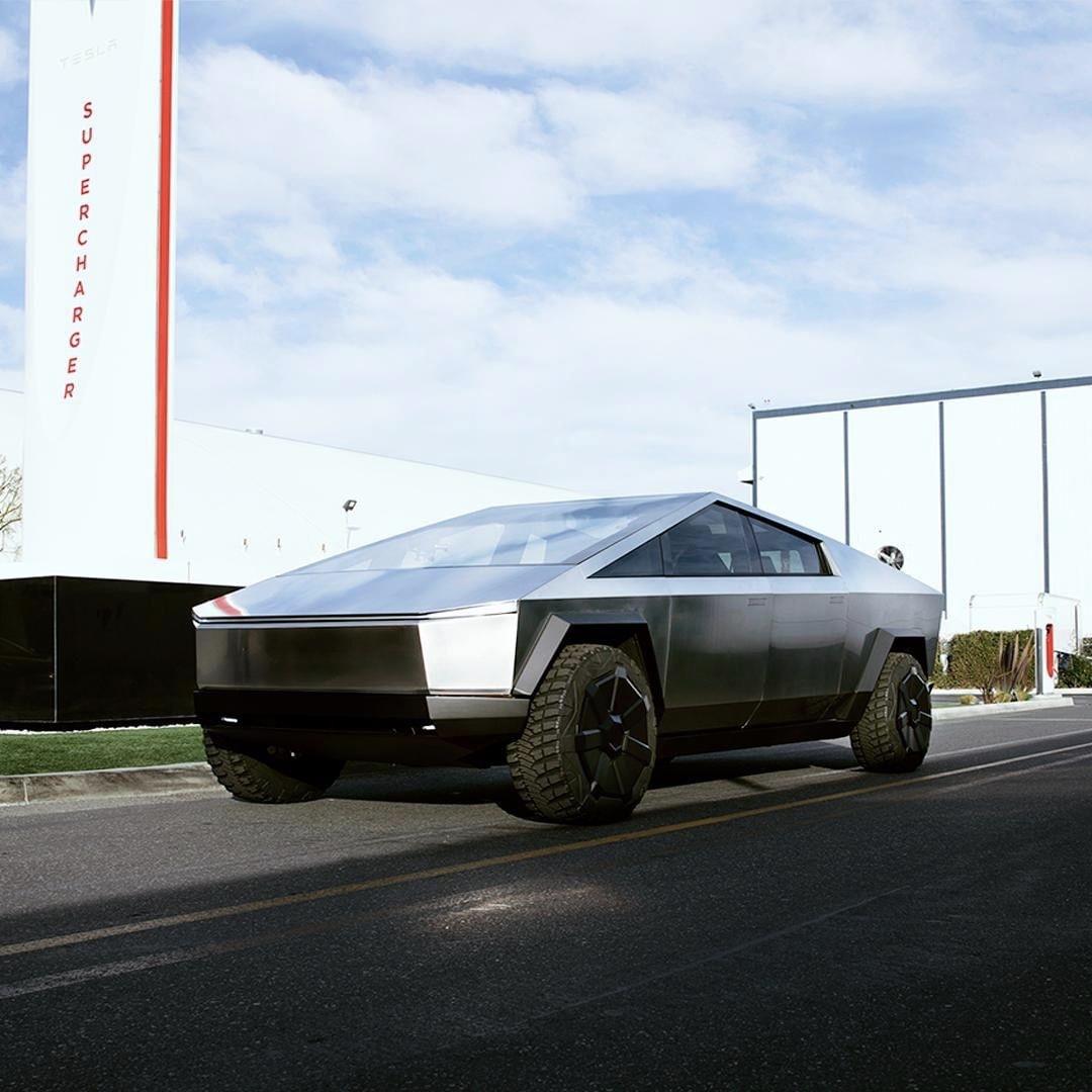 Tesla Cybertruck pred centrálou SpaceX