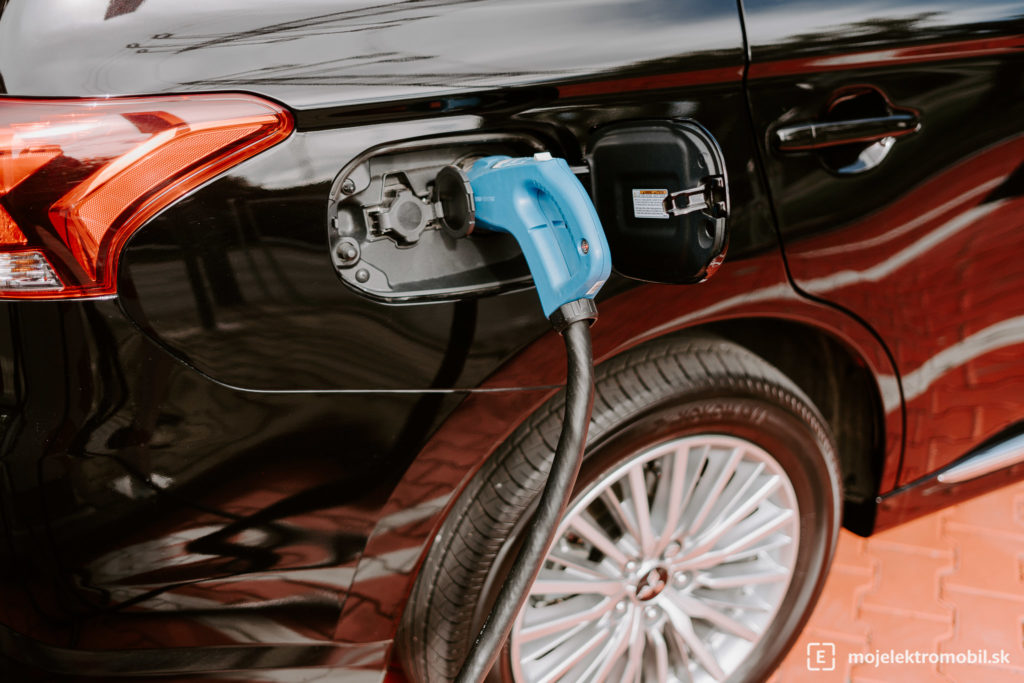 chademo phev plug in hybrid zse drive