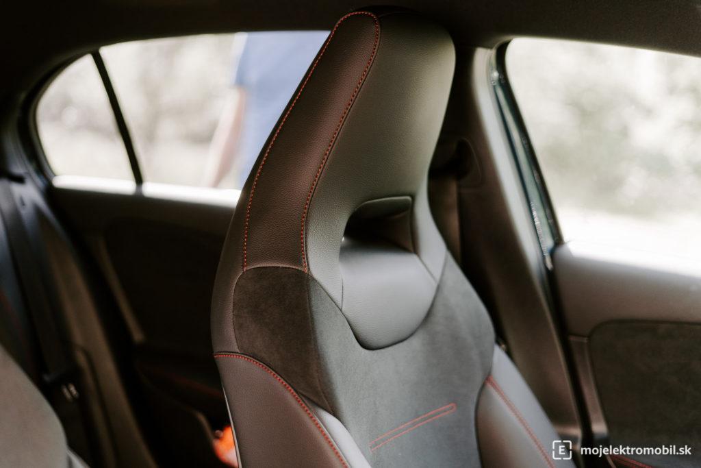 Mercedes-Benz A 250e test phev plug in hybrid