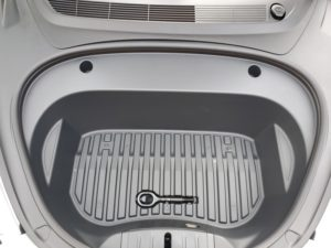 Model 3 predný kufor frunk 2020