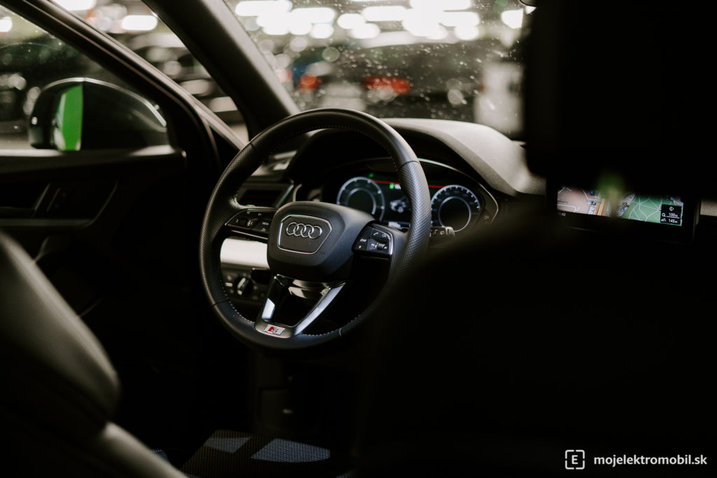 Audi Q5 Sport 50 TFSIe Test phev plug-in hybrid