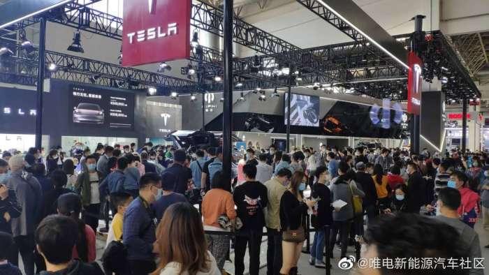 Tesla Čína (Zdroj: Torque News)