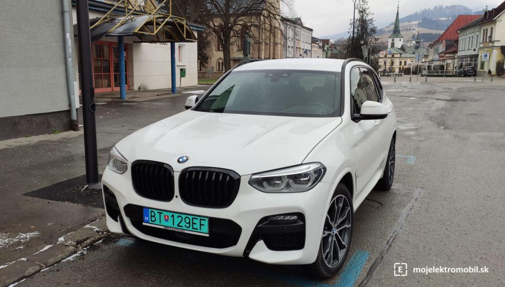BMW X3 30e plug-in hybrid dolný kubín nabíjacia stanica
