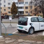 Nabíjanie elektromobilov zo stĺpov verejného osvetlenia (
