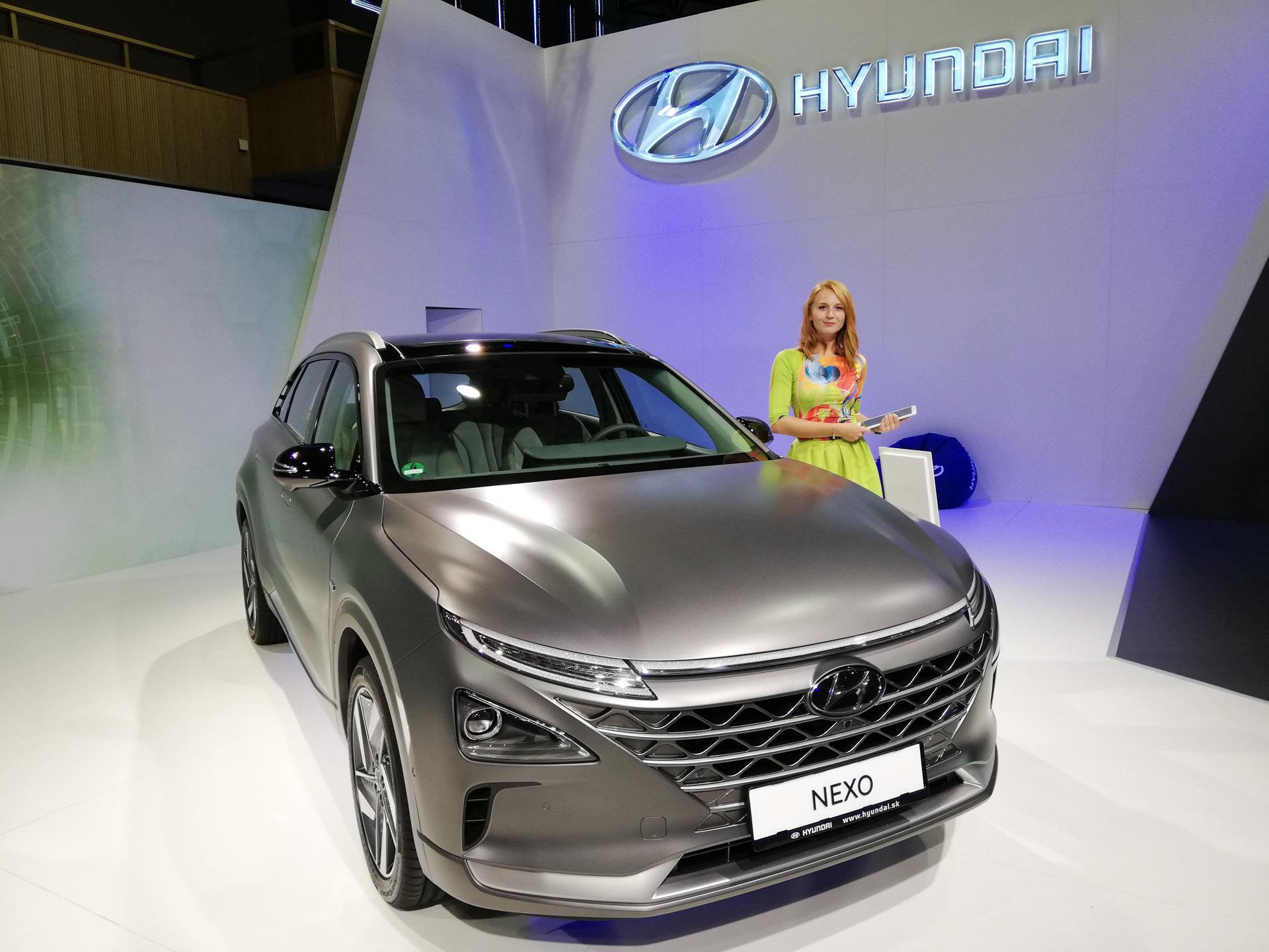 Vodíková doprava na Slovensku: vodíkové auto Hyundai Nexo na nitrianskom autosalóne 2018