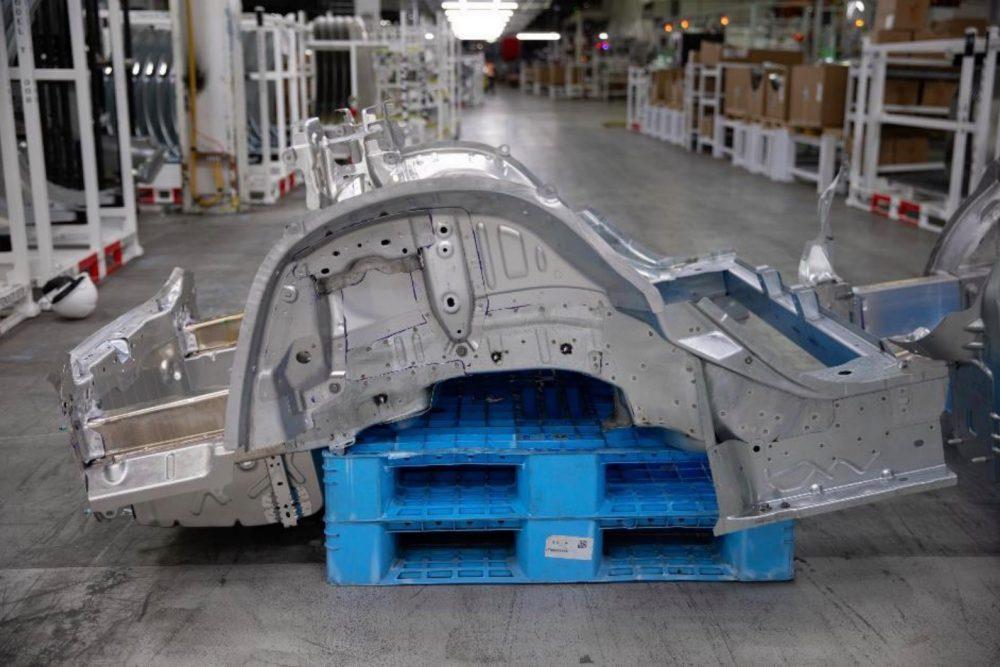 Zadná časť rámu Model 3 (Zdroj: Tesla)
