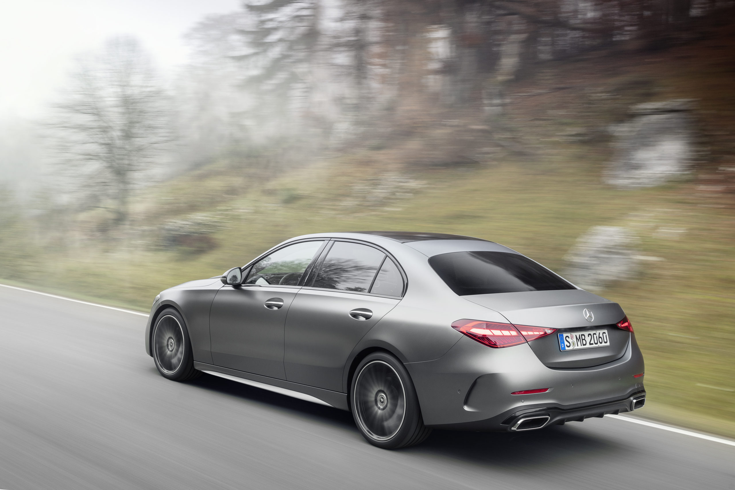 2021 Mercedes-Benz Triedy C plug-in hybrid sedan