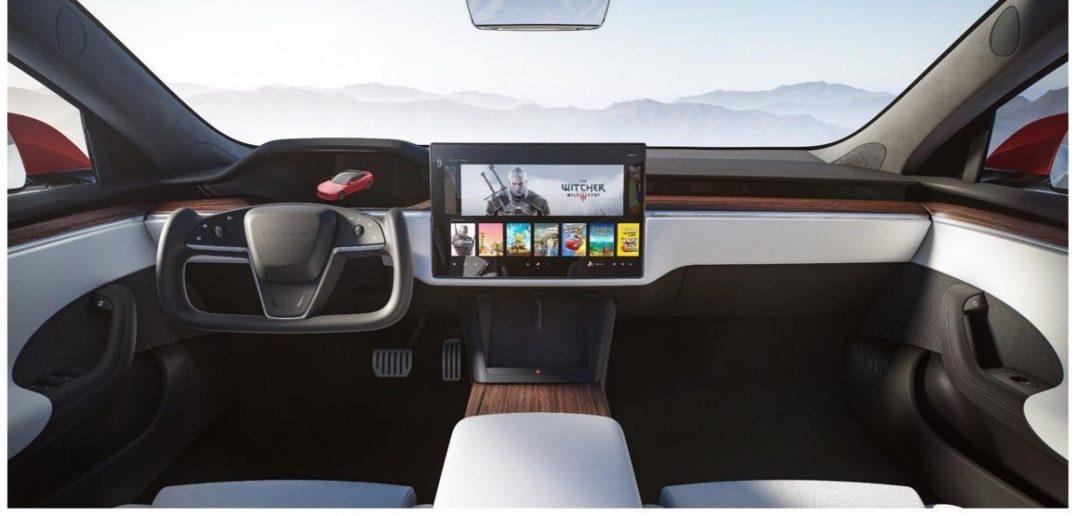 Nová Tesla Model S - zrezaný yoke volant