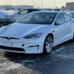 Faceliftovaná Tesla Model S - yoke volant (Foto: Reddit/r/teslamotors)