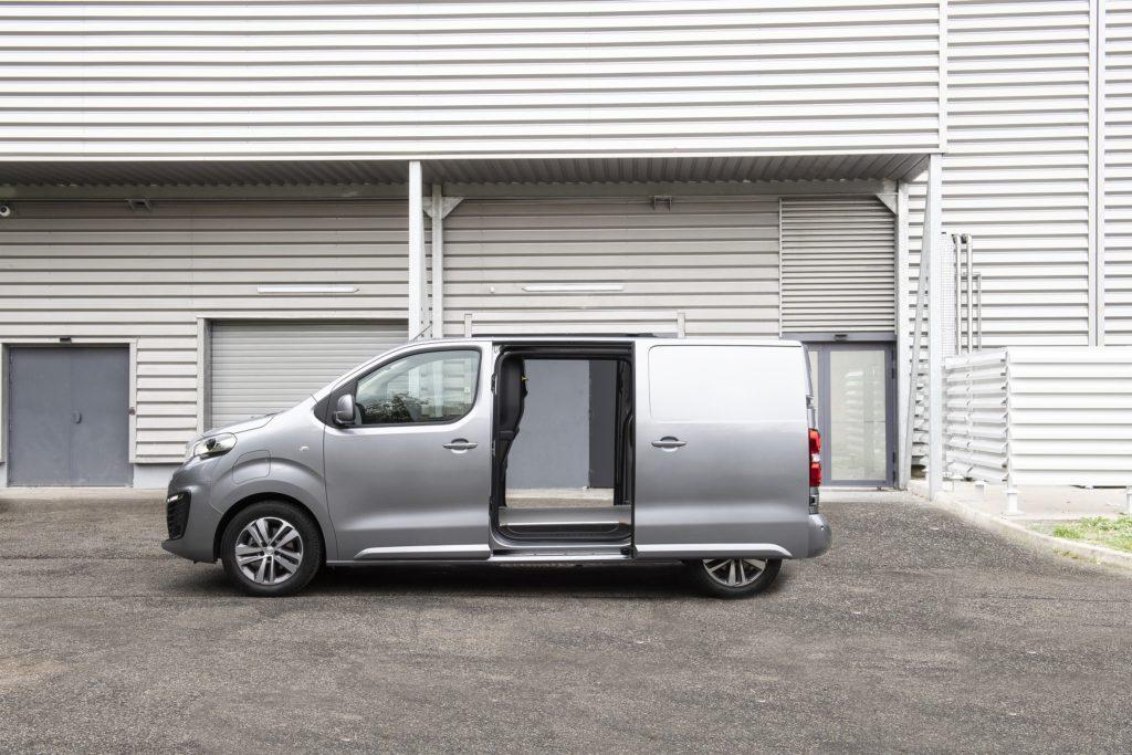 peugeot eexpert van of the year 2021