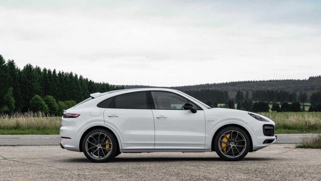 Porsche Cayenne PHEV 2021 plug-in hybrid