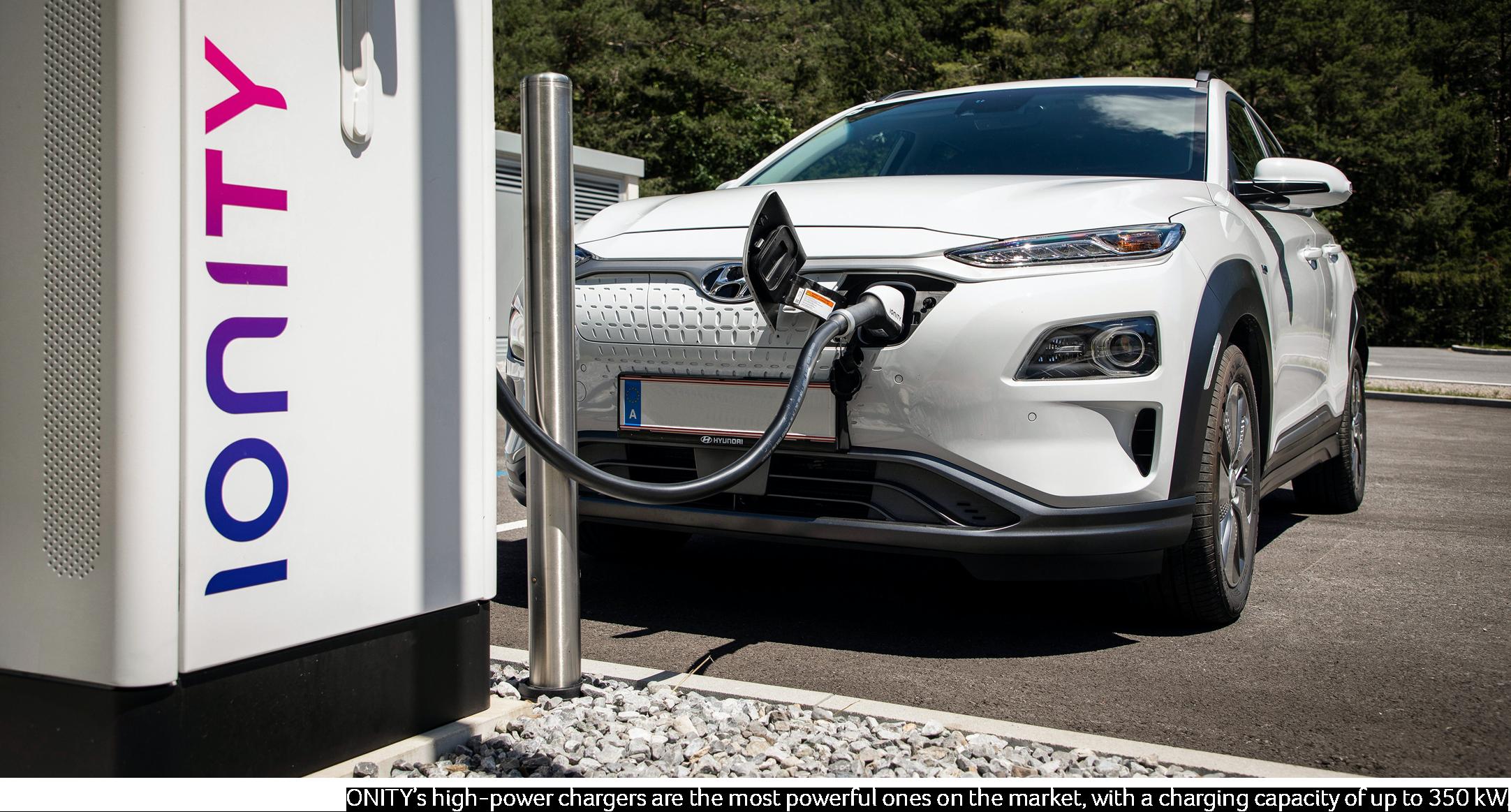 Hyundai Kona Electric na nabíjacej stanici Ionity (Foto: Ionity.eu)