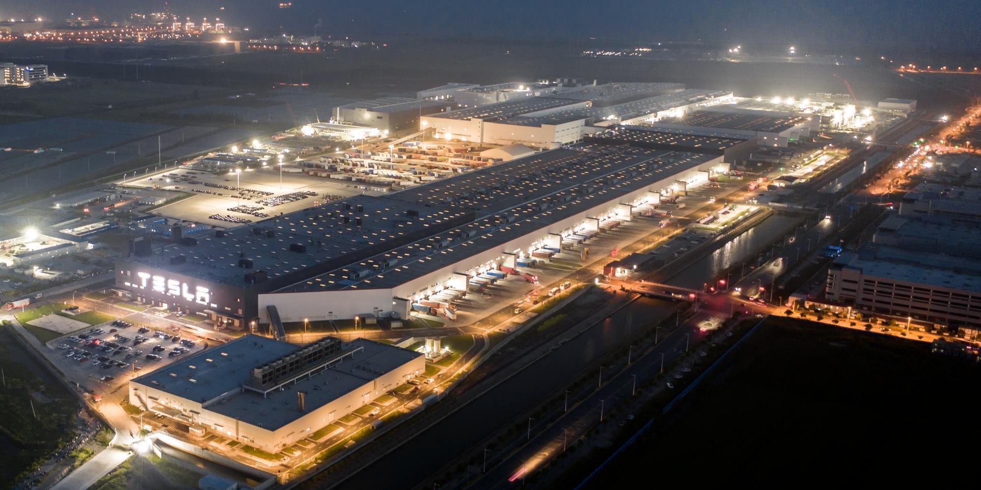 Elektromobily Tesla v Číne - Fabrika Giga Šanghaj (Foto: Tesla)