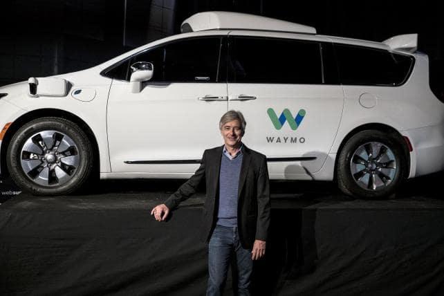 Služba autonómnych taxíkov Waymo - CEO John Krafcik (Foto: Waymo)