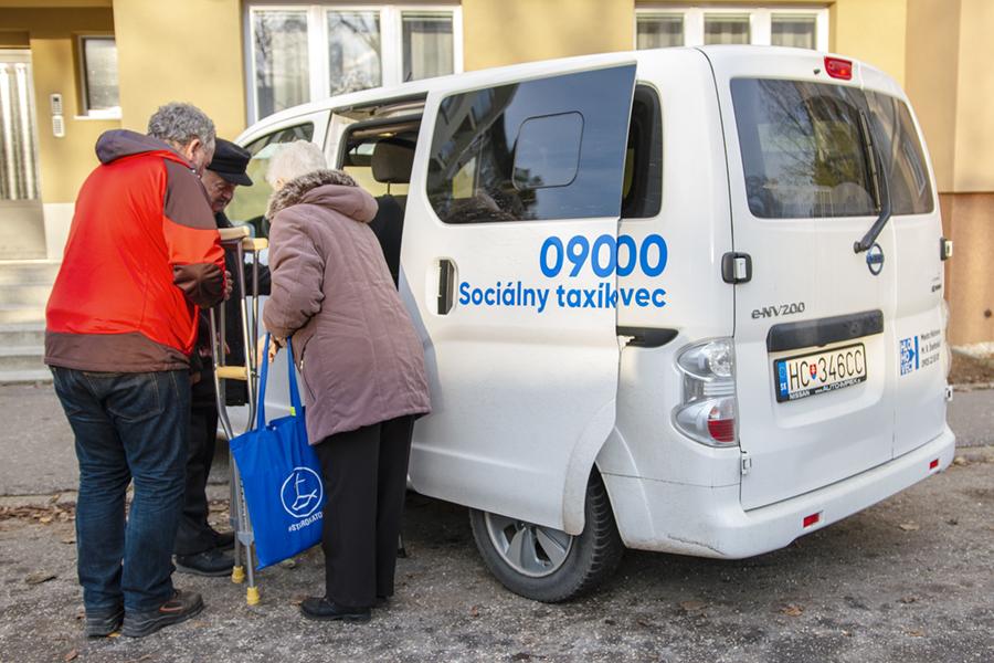 Hlohovec sociálny taxík