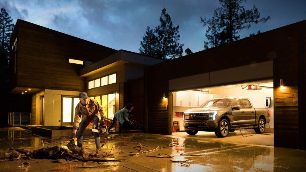 Ford F-150 lightning elektrický pick-up