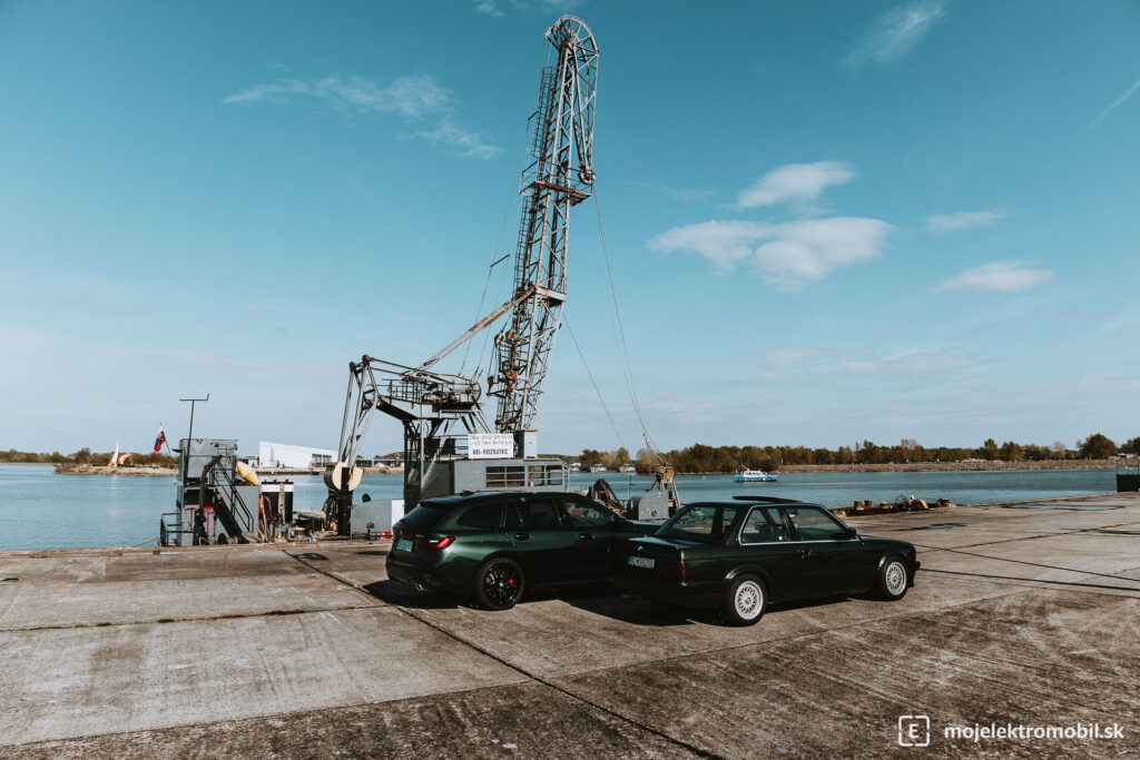 BMW 330e Touring TEST E30 zelene duo