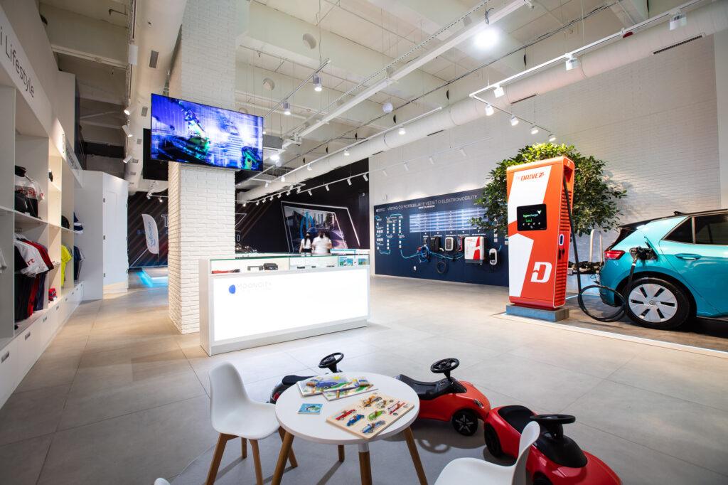 Mooncity e-mobility store v Auparku