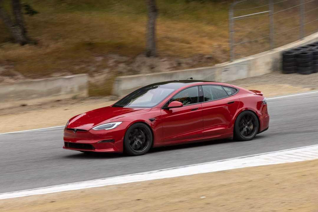 Tesla Model S Plaid (Foto: Instagram/@klwtts)