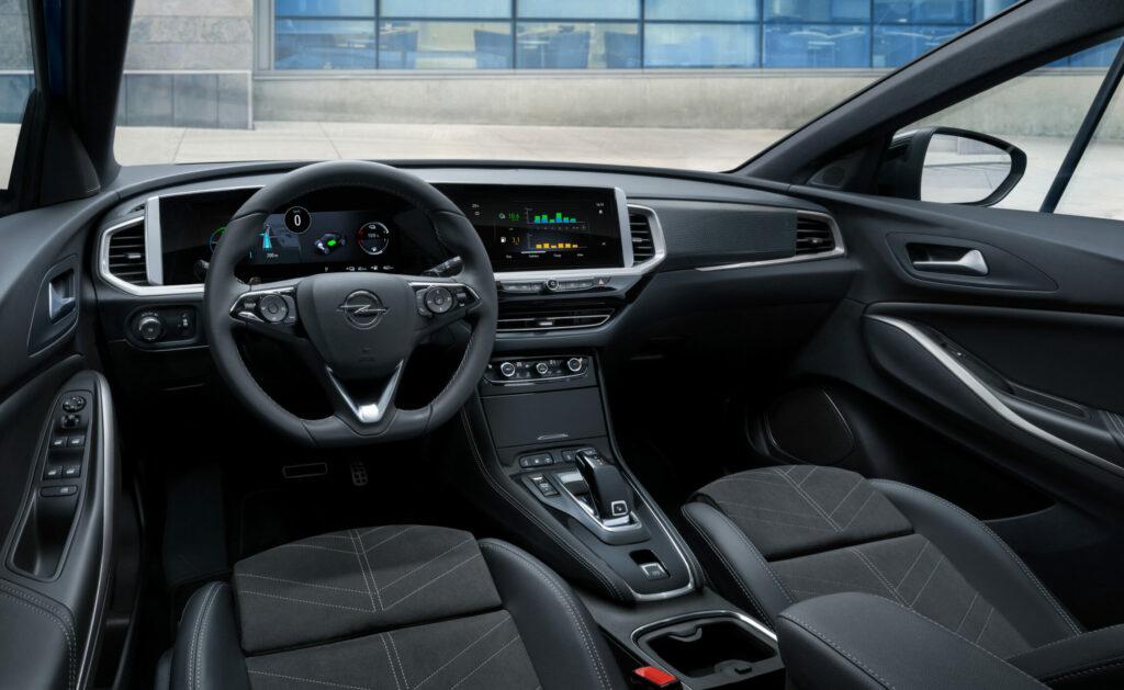 Opel Grandland PHEV plug-in hybrid hybrid4