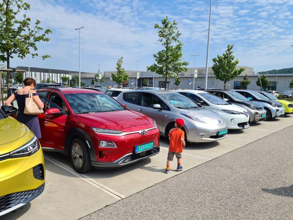 Stretnutie majiteľov Elektromobil 2021 Bratislava Bory Mall