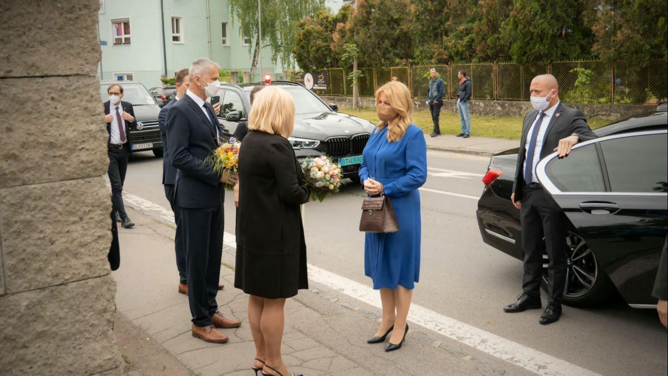 Prezidentka Čaputová na plug-in hybride (Foto: SZŠ Lučenec)