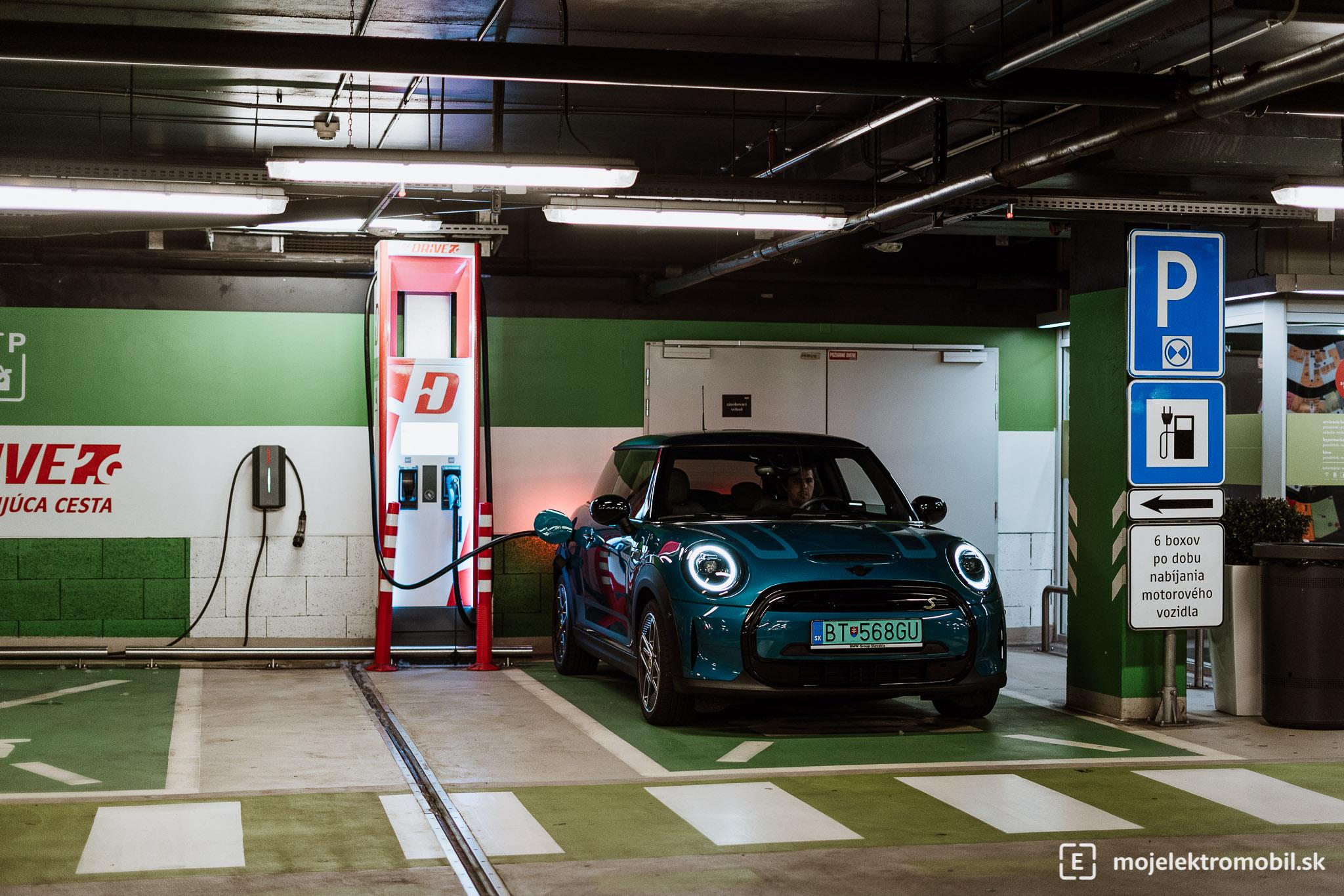 Mini Cooper SE ZSE Drive nabíjacia stanica
