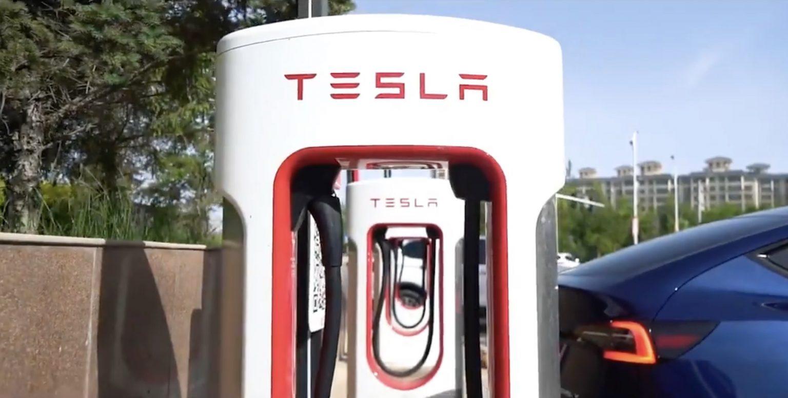 Otvorenie siete Tesla Supercharger (Foto: Tesla Greater China)
