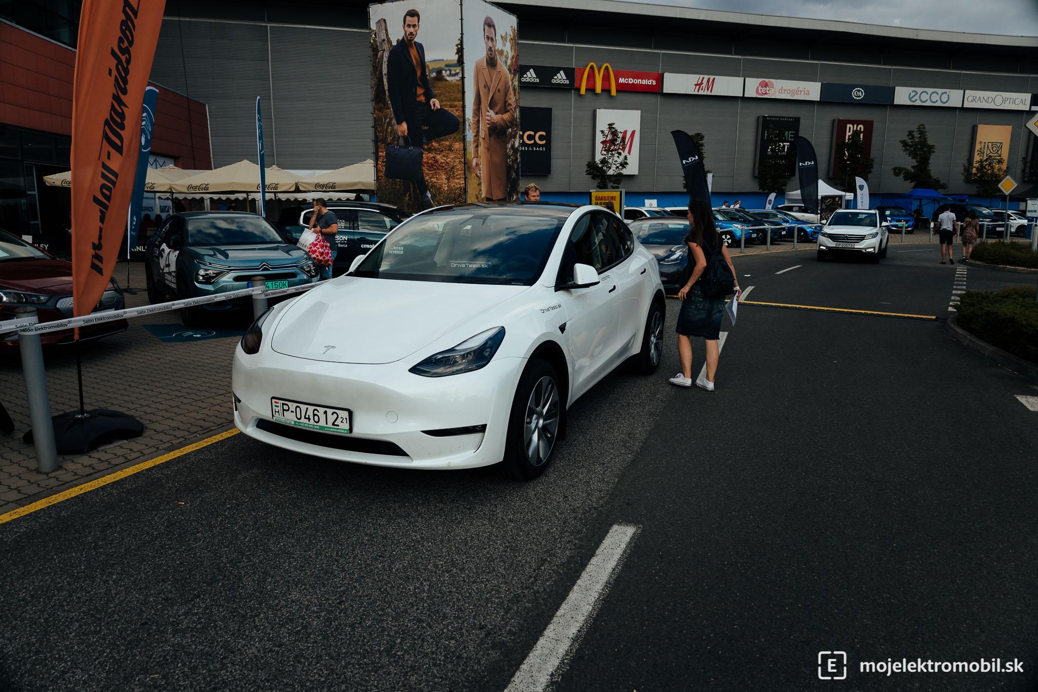 Tesla Salon elektromobilov 2021 Kosice